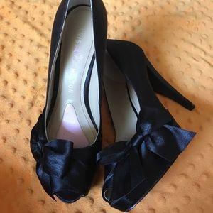 Paris Hilton Black Bow Peep Toe Pumps